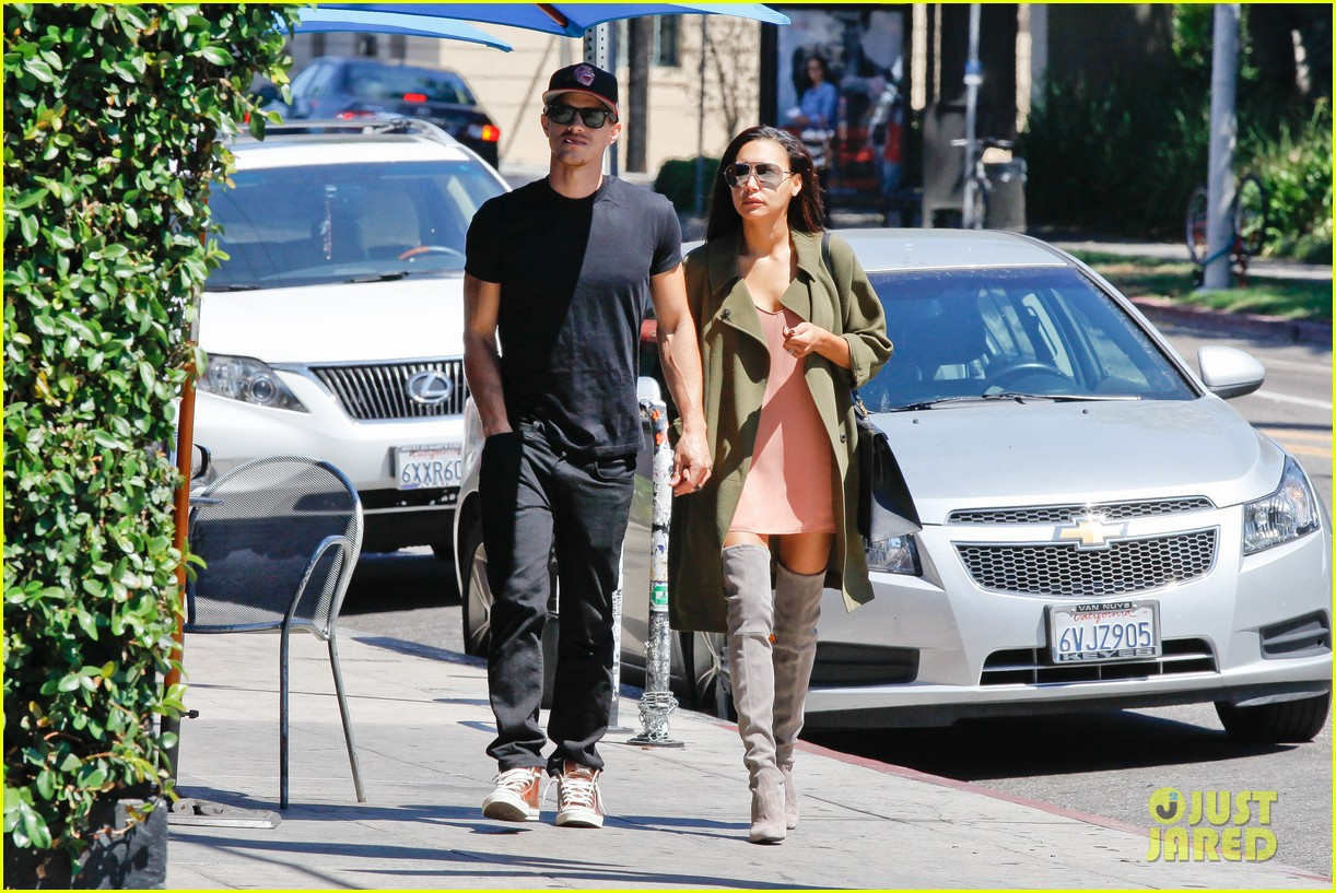 naya rivera ryan dorsey hold hands birds cafe 08