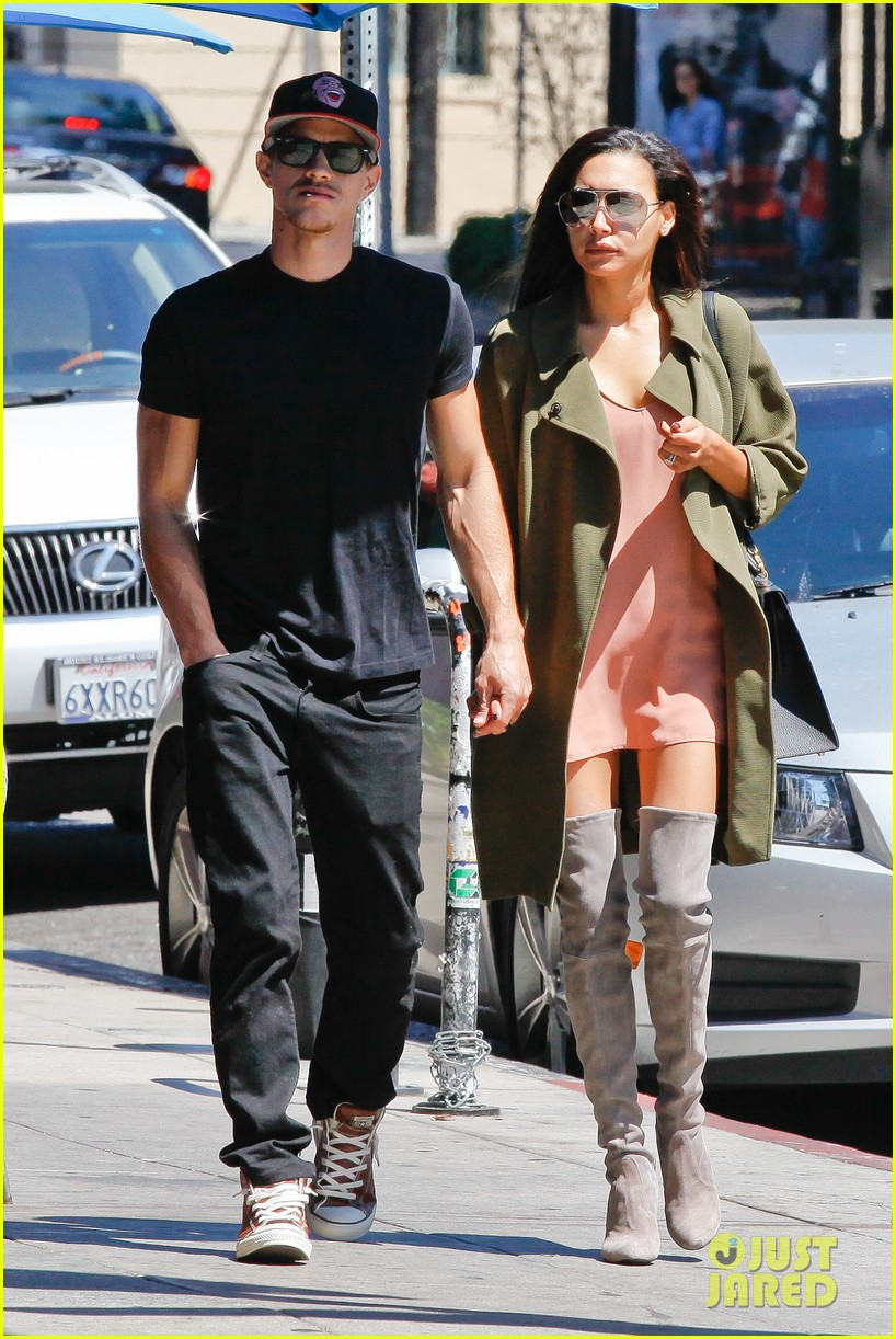 naya rivera ryan dorsey hold hands birds cafe 103180275