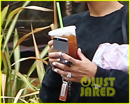 naya rivera solo iced coffee run dianna agron 063169911