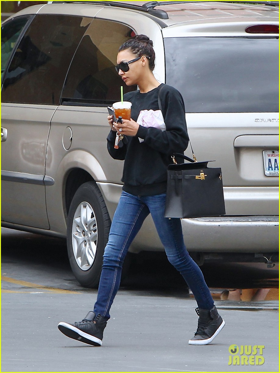naya rivera solo iced coffee run dianna agron 123169917