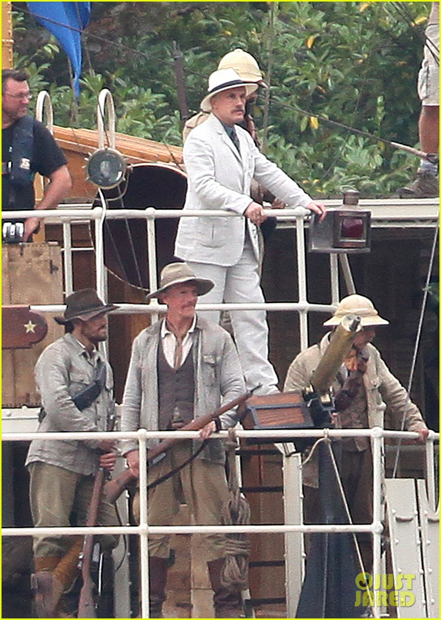 margot robbie begins filming tarzan with christoph waltz casper crump 03