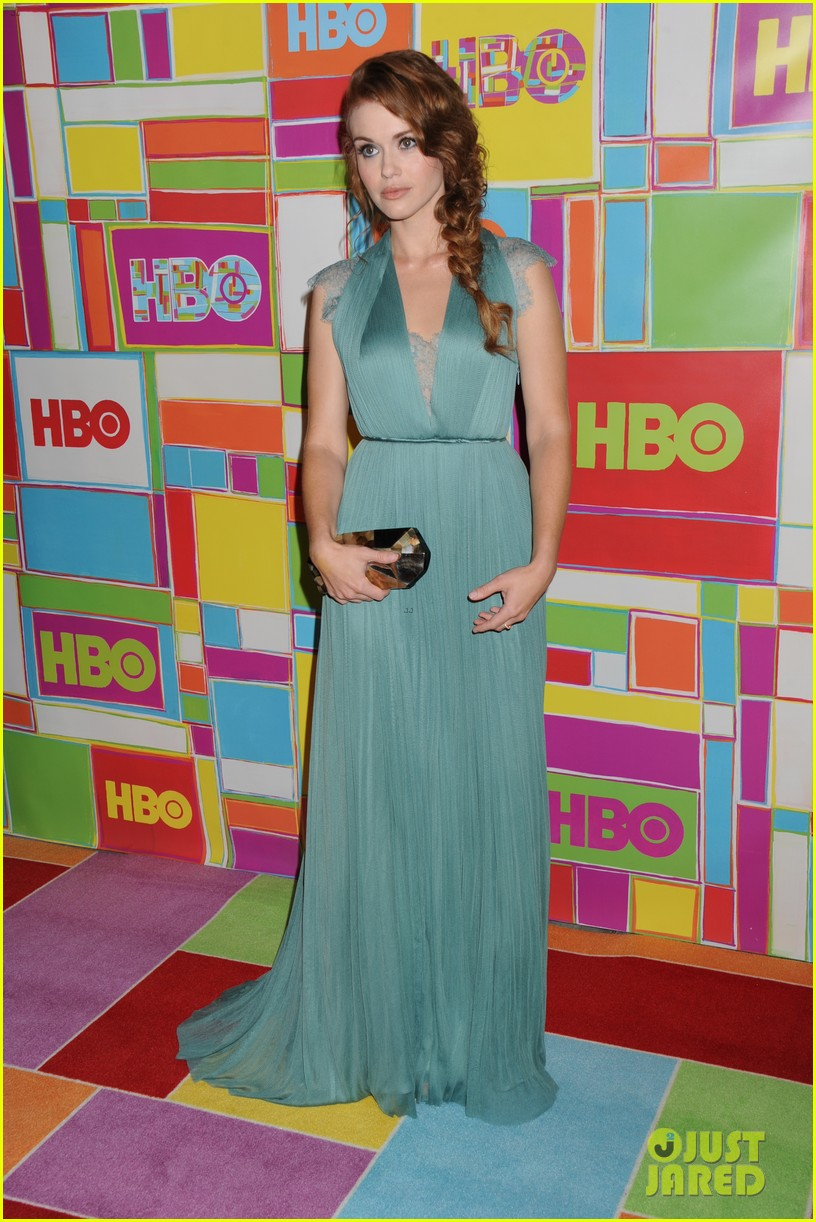 holland roden emmanuelle chriqui are radiant ladies at hbo emmys 093184087