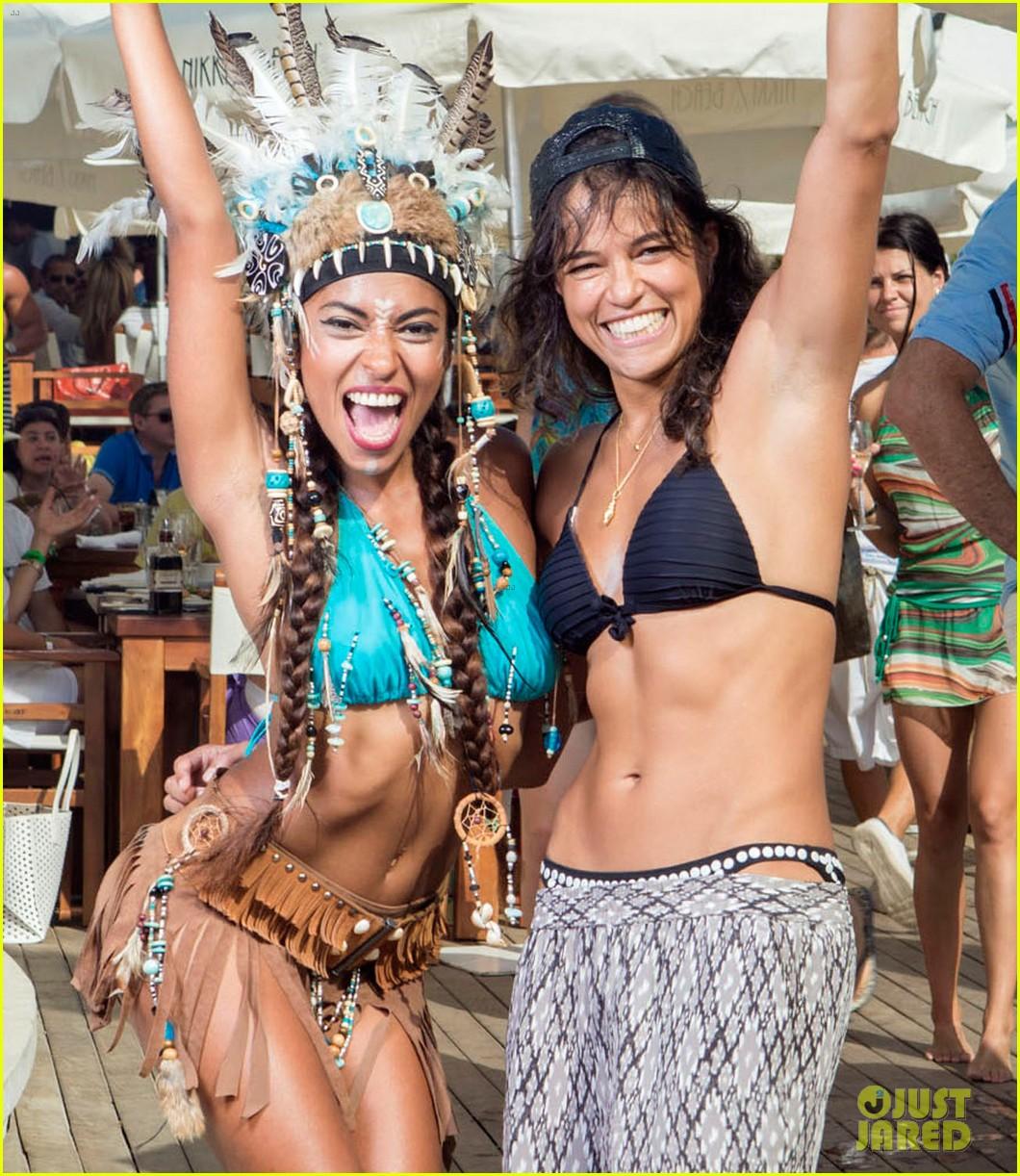 Video Michelle Rodriguez nudes (27 photos), Ass, Is a cute, Selfie, in bikini 2017