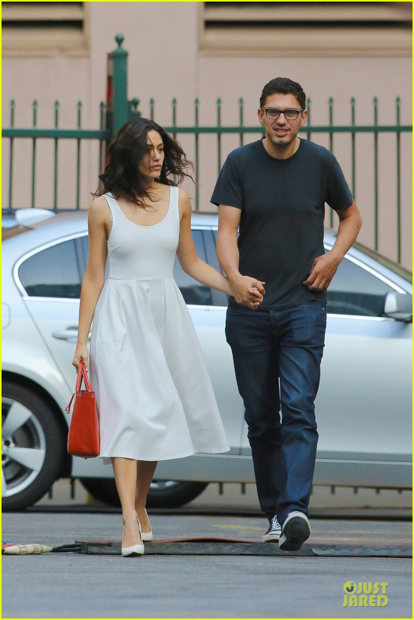 emmy rossum boyfriend sam esmail hold hands on shameless set 173173436