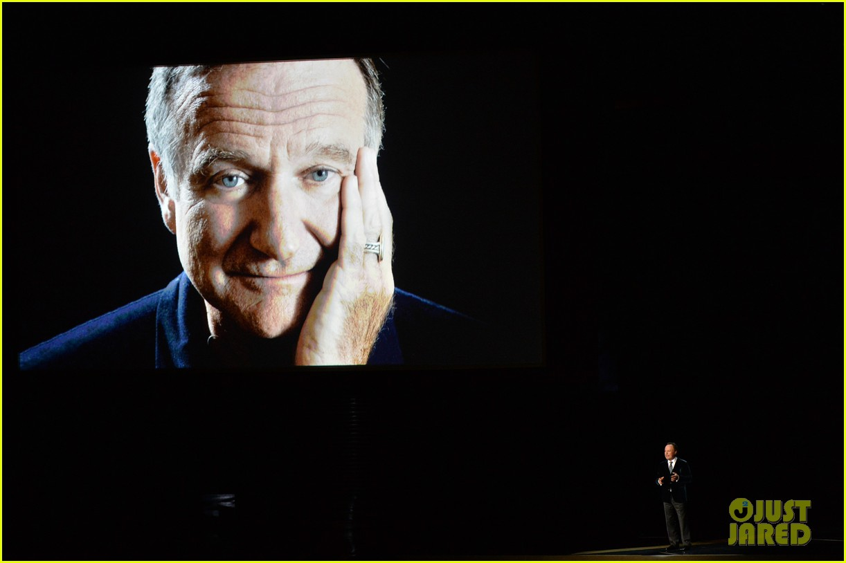 robin williams emmys tribute from billy crystal 023183828
