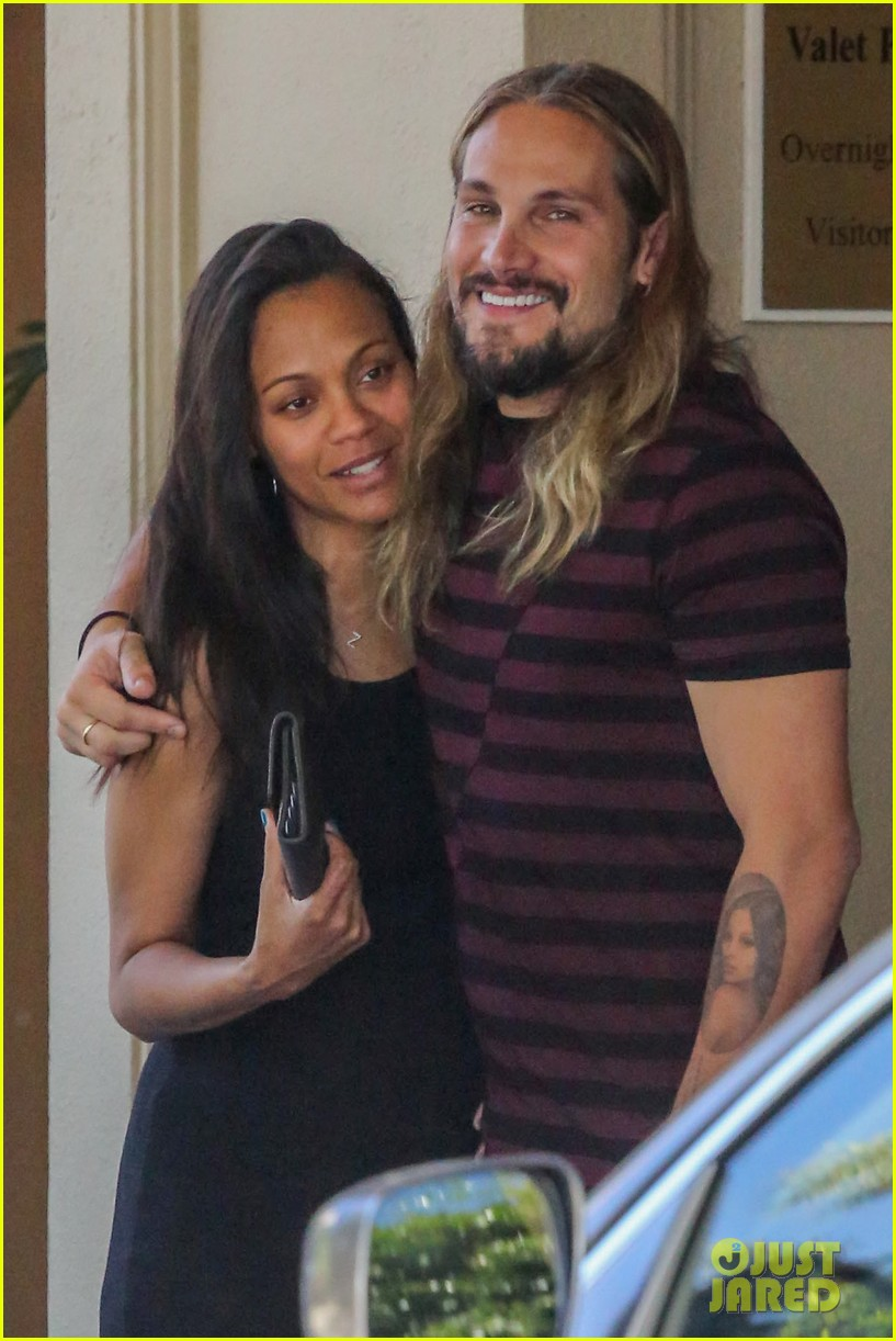 zoe saldana marco perego cannot keep their hands off each other 023178425