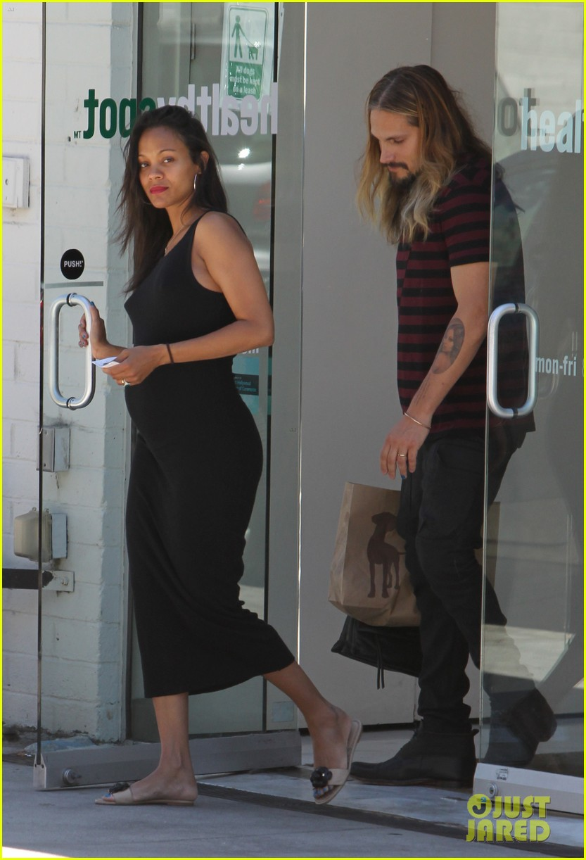 zoe saldana marco perego cannot keep their hands off each other 033178426