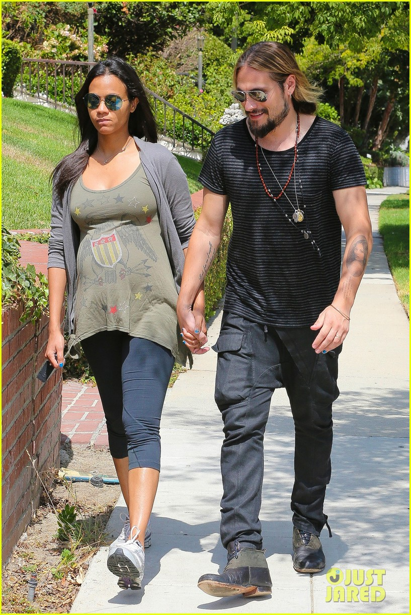 zoe saldana hubby marco perego step out for sunny stroll after taking on the ice 063179542