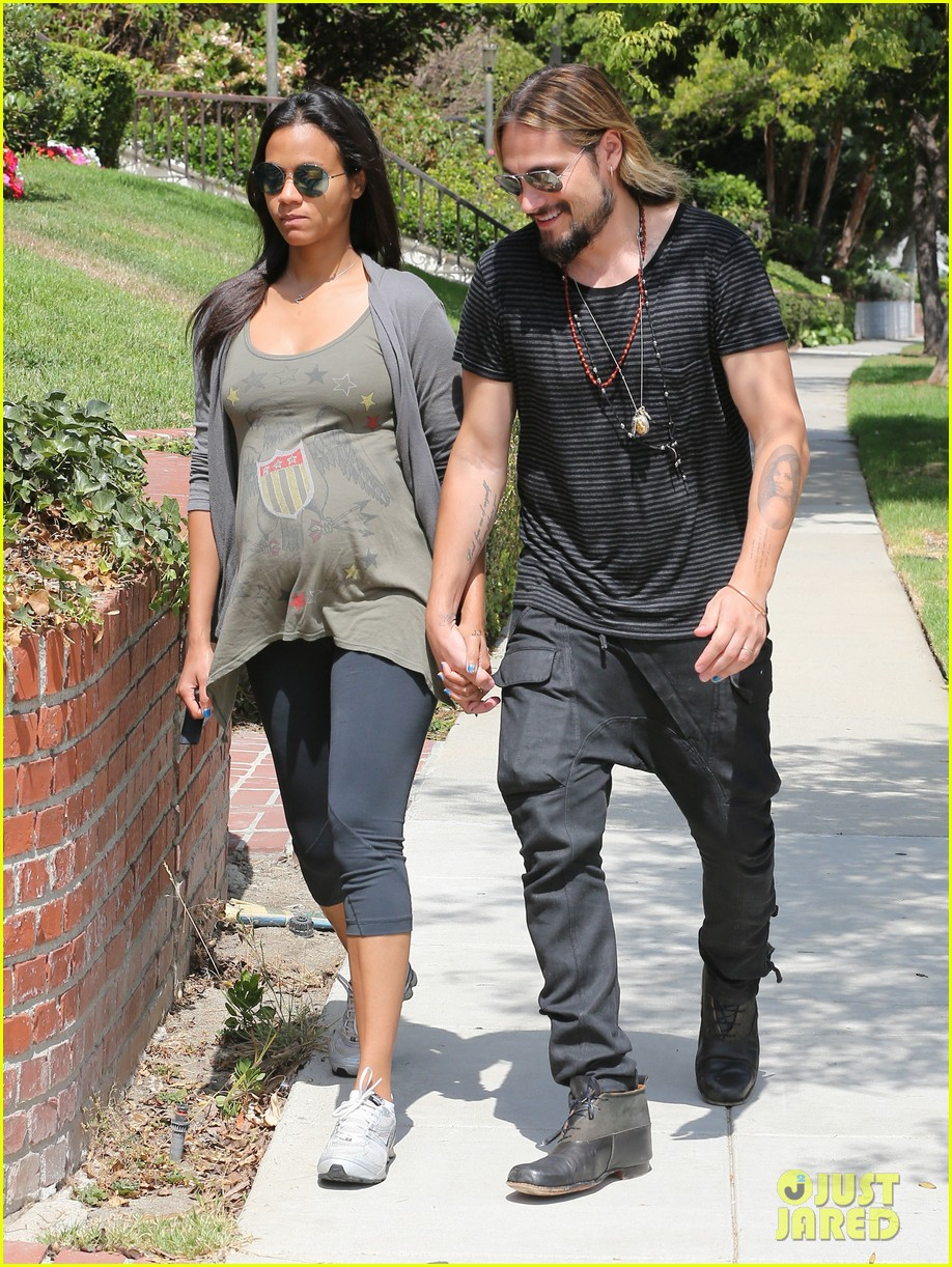 zoe saldana hubby marco perego step out for sunny stroll after taking on the ice 103179546