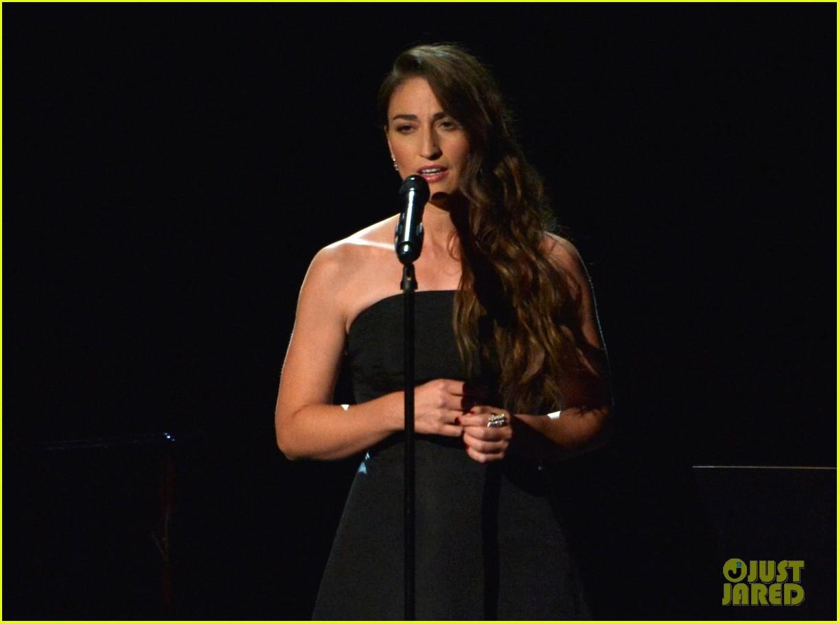 sara bareilles beautifully sings in memoriam at emmys 2014 video 043183826
