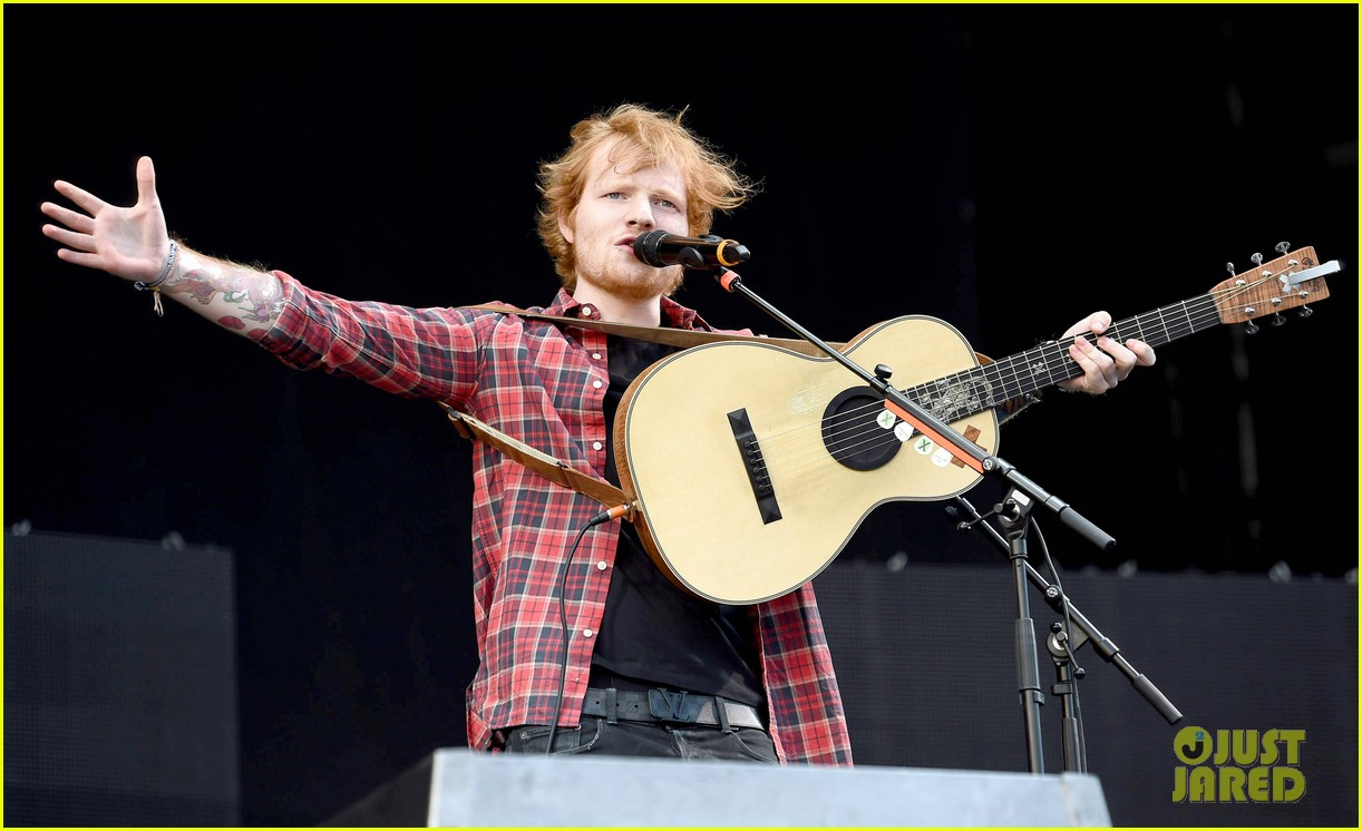 ed sheeran v festival performance sing 053177591