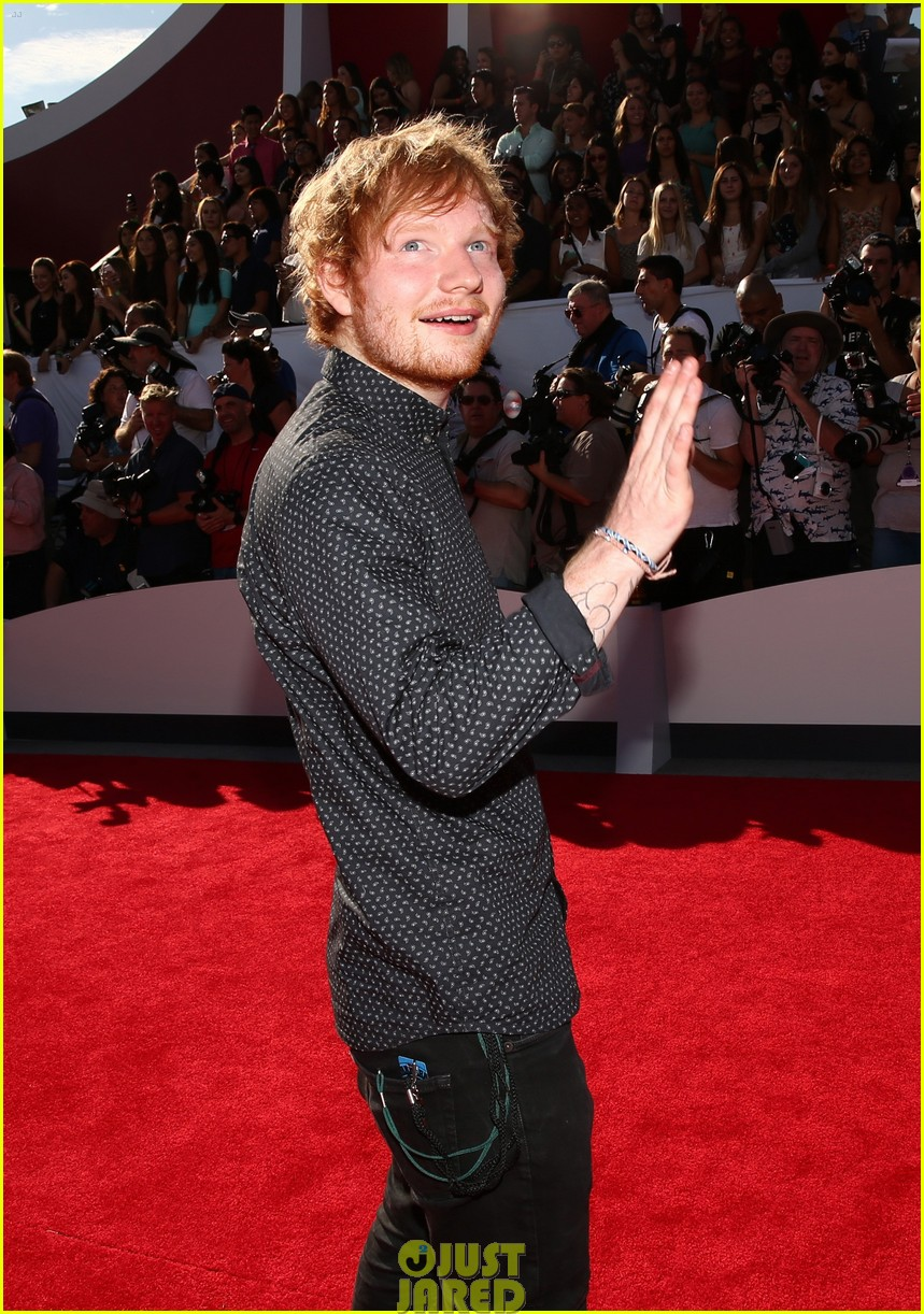 ed sheeran red carpet mtv vmas 053182386