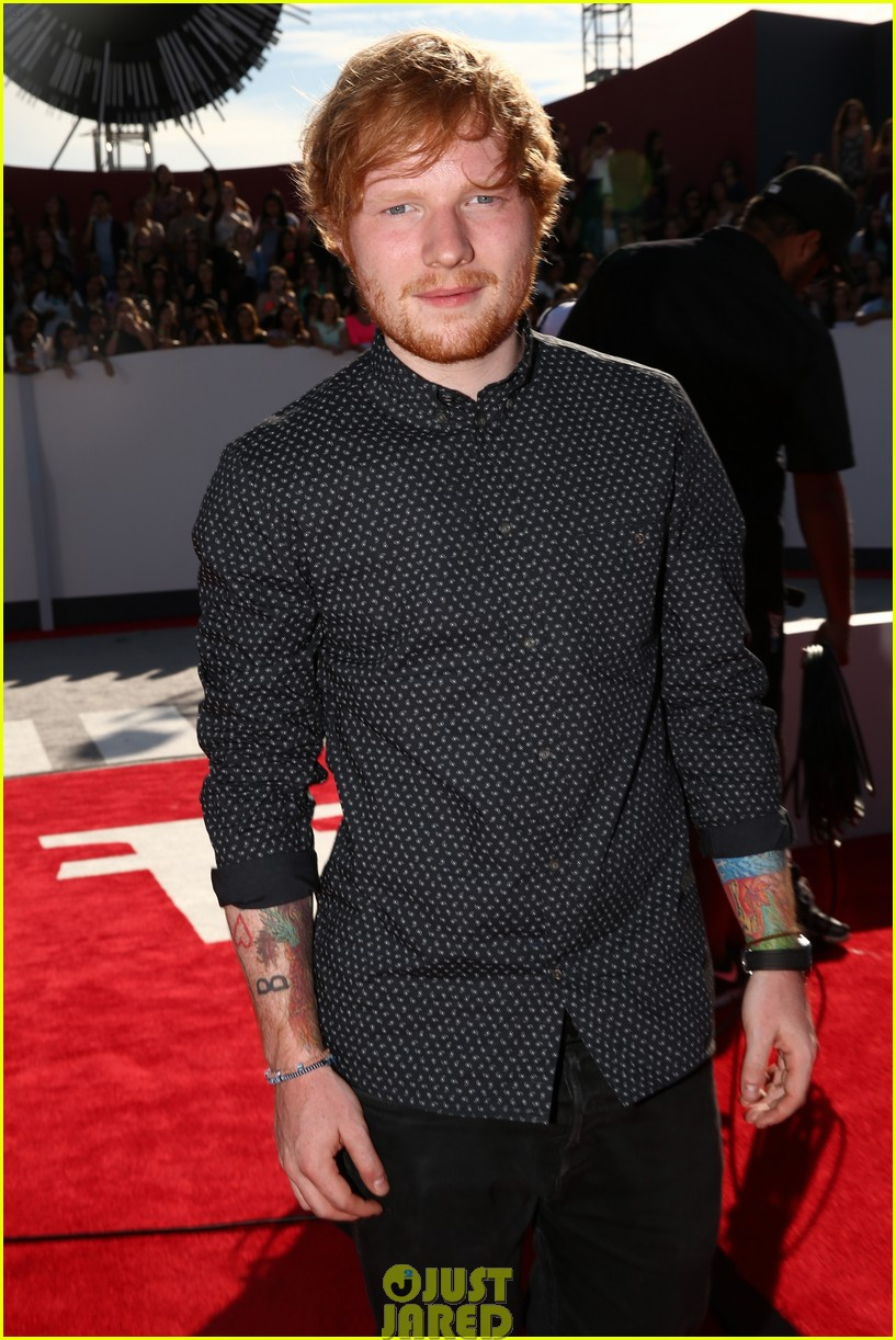 ed sheeran red carpet mtv vmas 063182387