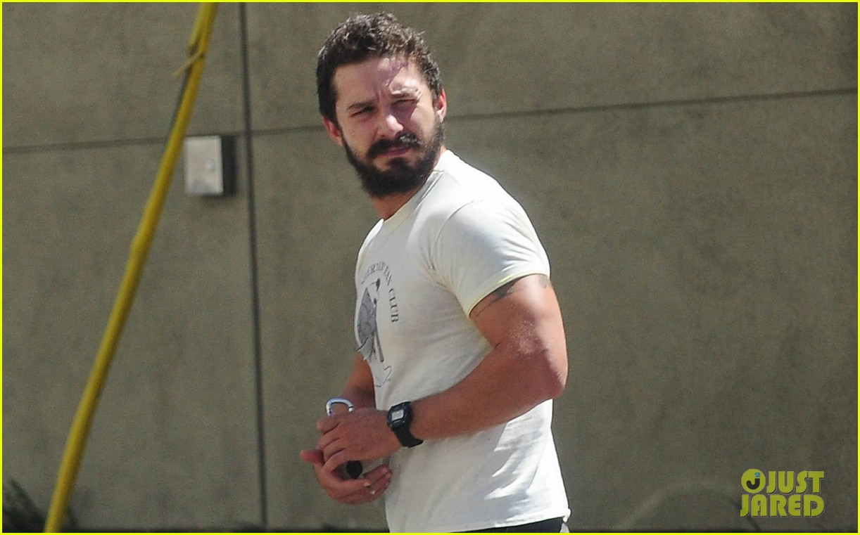 shia labeouf bicep sure looking big 013186145