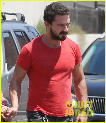 shia labeouf mia goth hold hands mom shayna 023174043