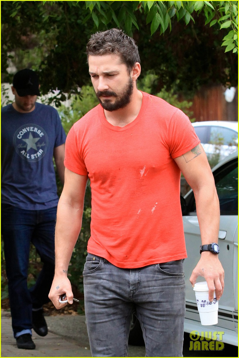 shia labeouf does the ice bucket challenge barely reacts to the water 043180180