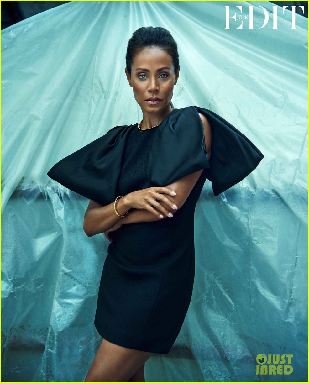 Jada Pinkett Smith Talks Willows Controversial Bedroom Pic Entertaining Will Smith Marriage Rumors With Edit Jpg
