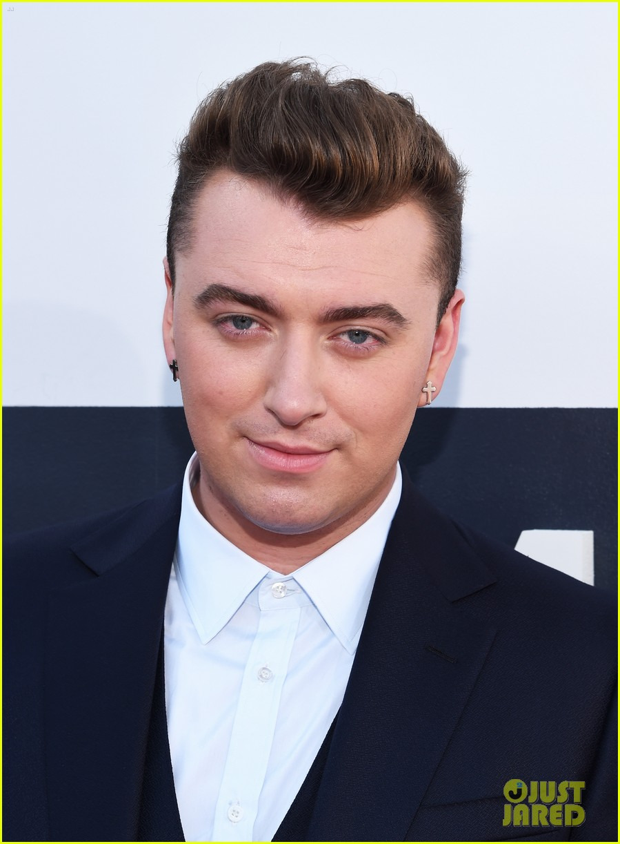 sam smith meets up with beyonce backstage at the mtv vmas 2014 01