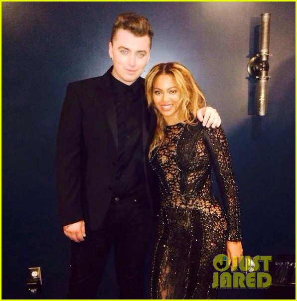 sam smith meets up with beyonce backstage at the mtv vmas 2014 02