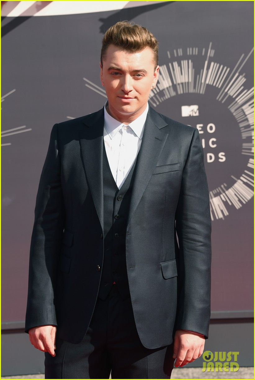sam smith meets up with beyonce backstage at the mtv vmas 2014 053182420