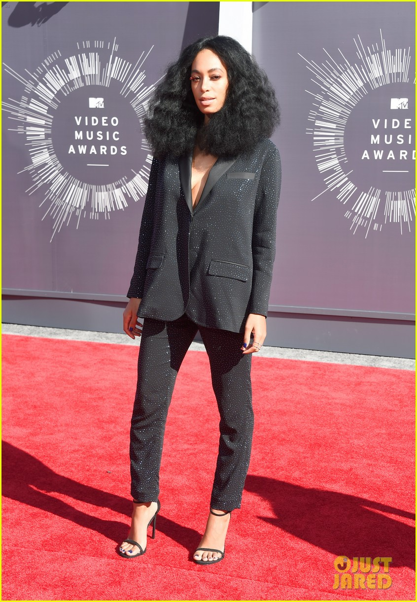 solange knowles supports beyonce at mtv vmas 2014 033182302