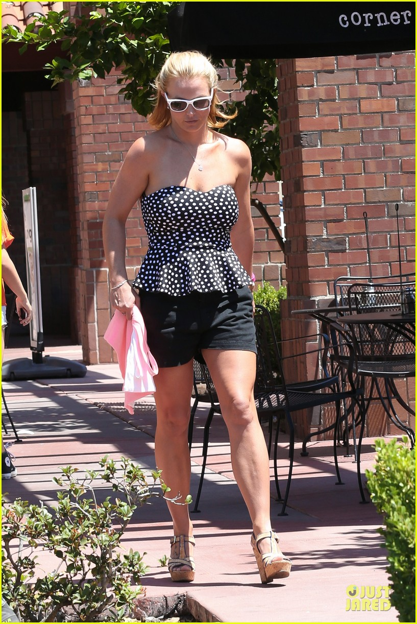 britney spears david lucado wear matching sunglasses 013175859