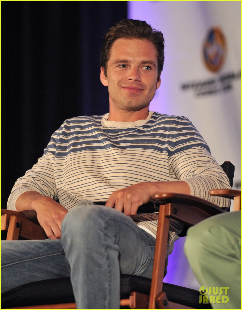 sebastian stan anthony mackie attend wizard world chicago comic con 063182825