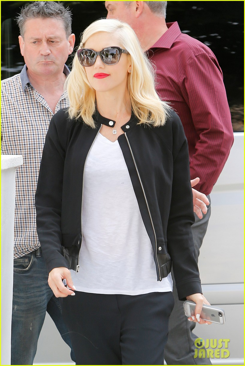 gwen stefani gets in some alone time before leaving london 043170974