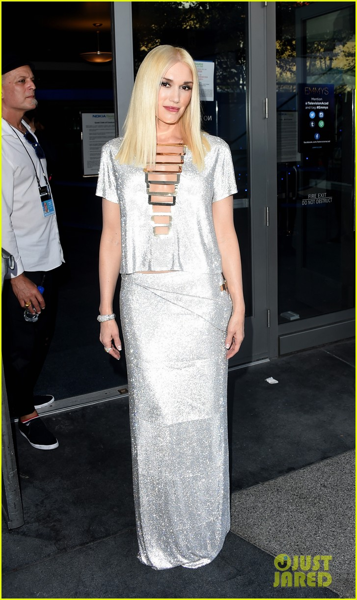 gwen stefani shines on red carpet at emmys 2014 043183593