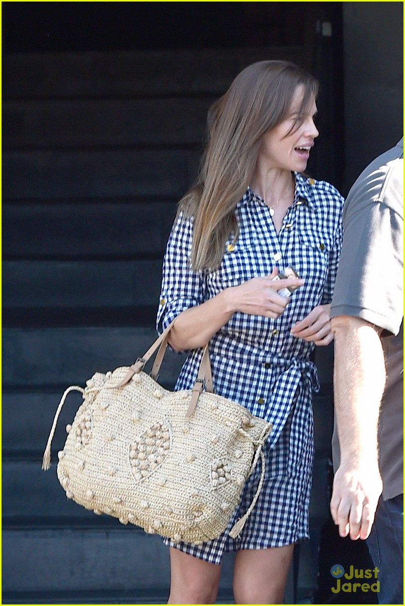hilary swank laughing after coffee 013179985