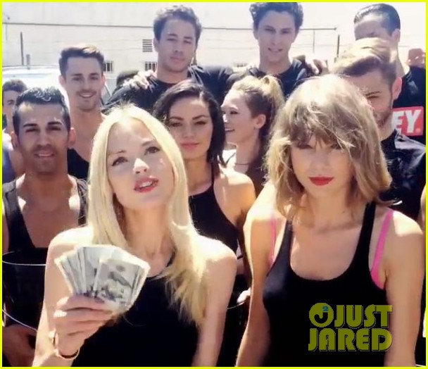 taylor swift jaime king als ice bucket challenge 01