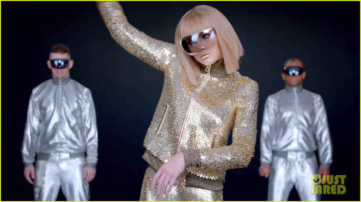 taylor swift shake it off music video 103178789