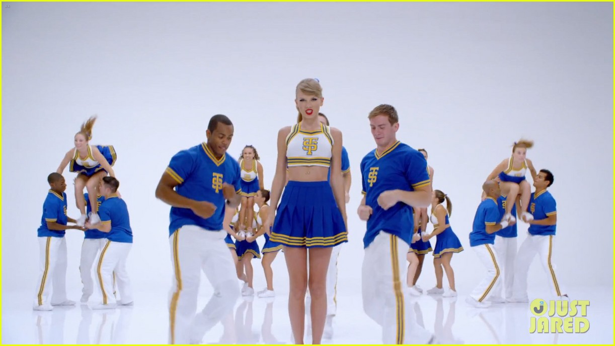 taylor swift shake it off music video 13