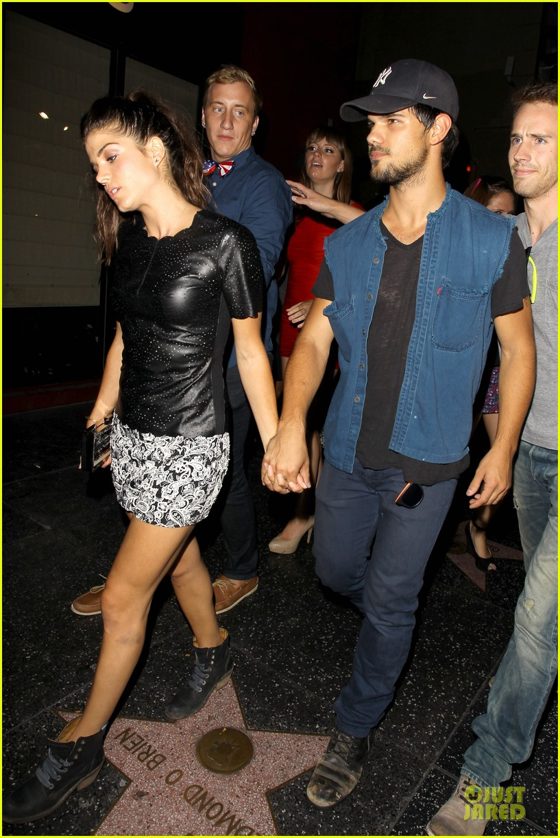 taylor lautner marie avgeropoulos strong hollywood 123181563