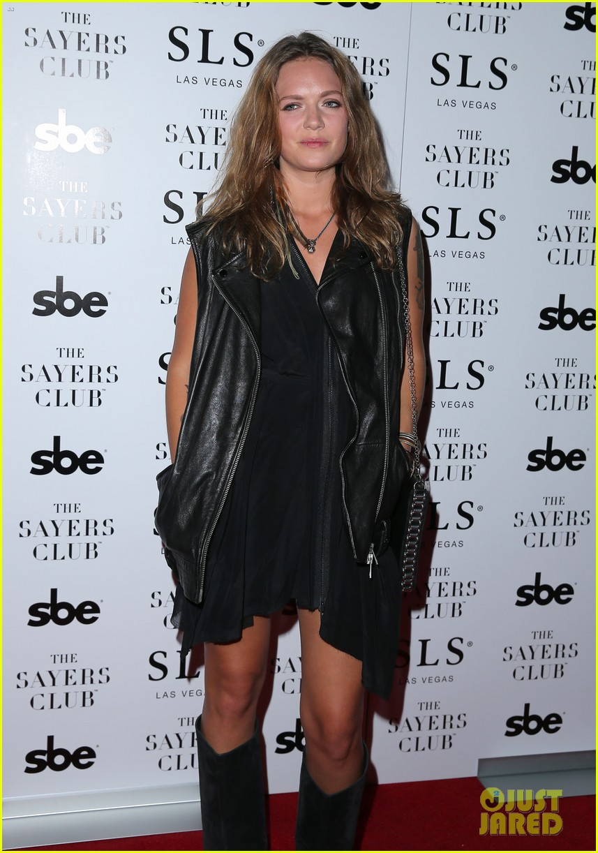 tove lo joins alesso on new single heroes full song lyrics 023185952
