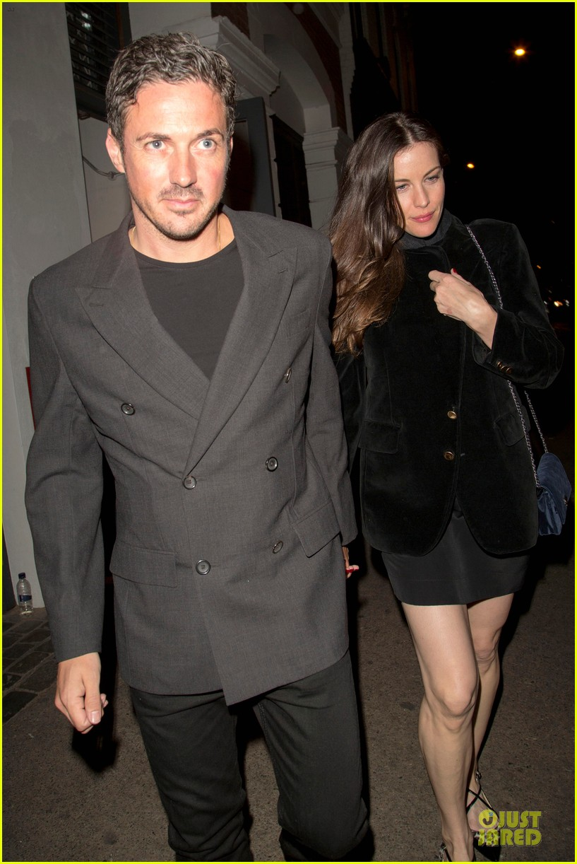 liv tyler dave gardner hold hands in london 043177527