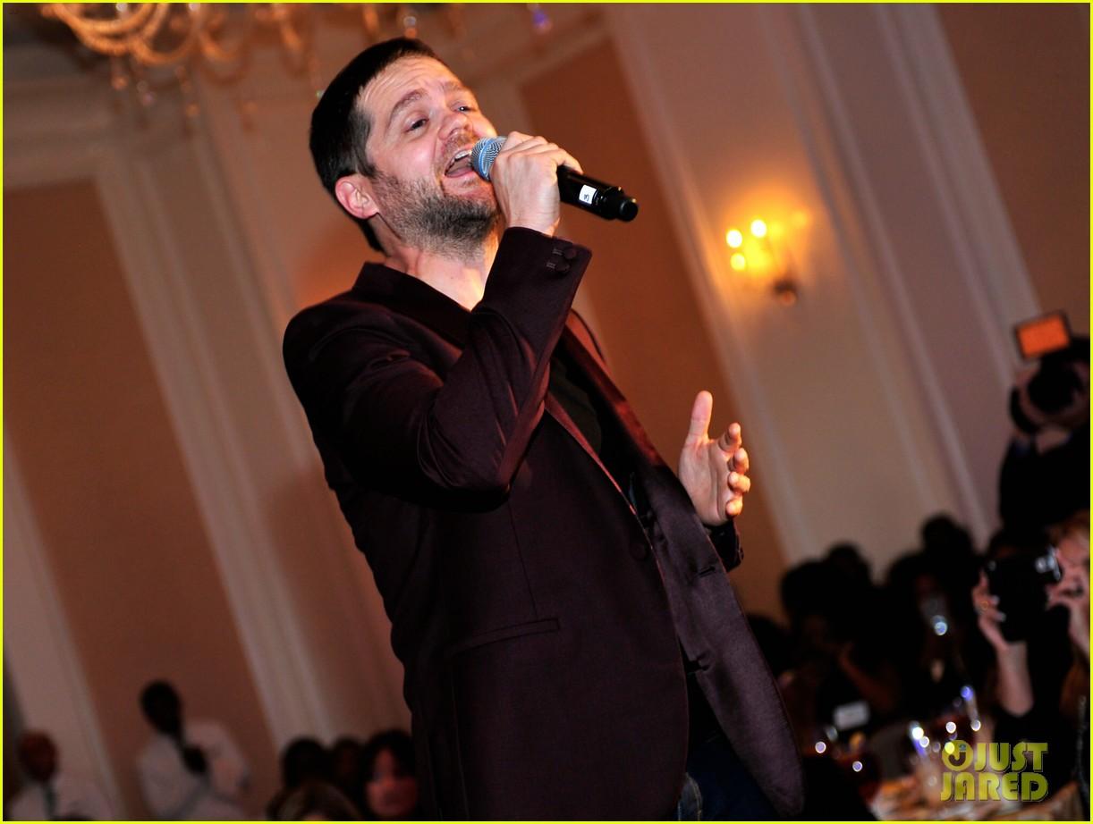 Usher & 'Voice' Winner Josh Kaufman Reunite at Charity Lunch