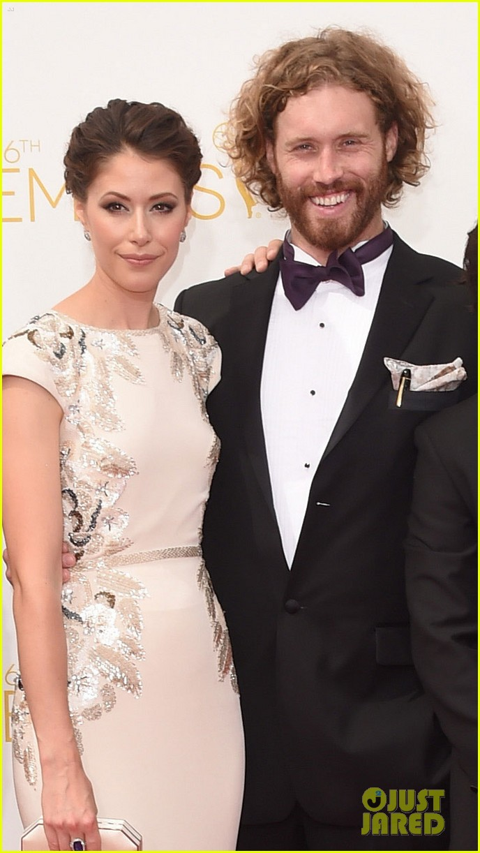 tj miller silicon valley emmy red carpet 063183802