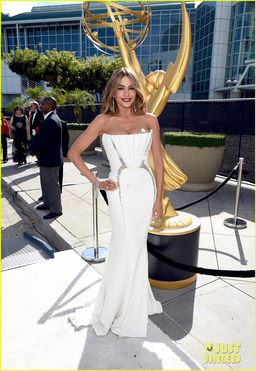 sofia vergara joe manganiello too hot for emmys 013183562