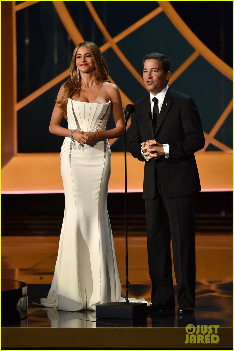 sofia vergara blasts critics of emmys skit 033183943