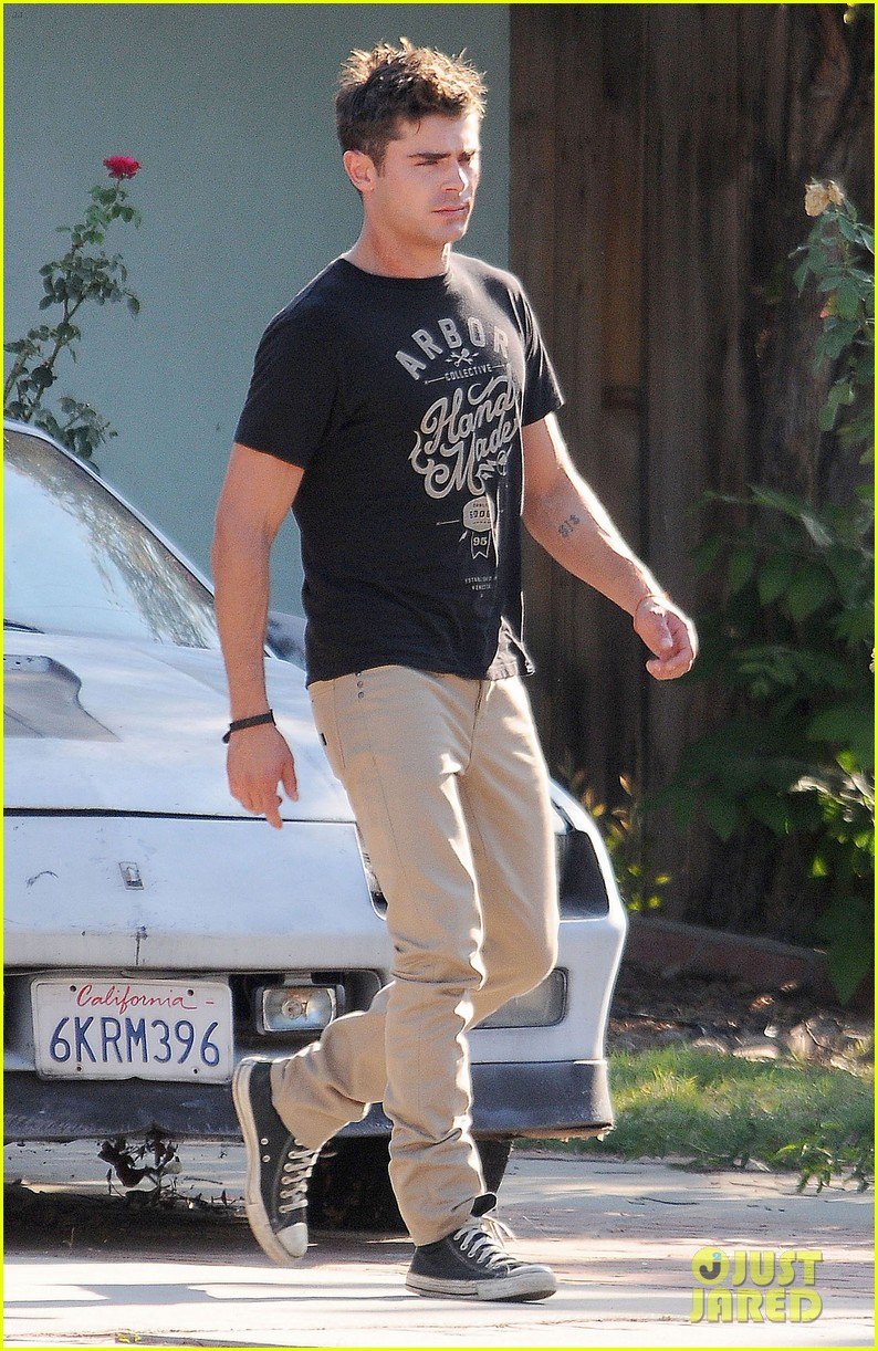 zac efron gets roughed up on we are your friends set 03