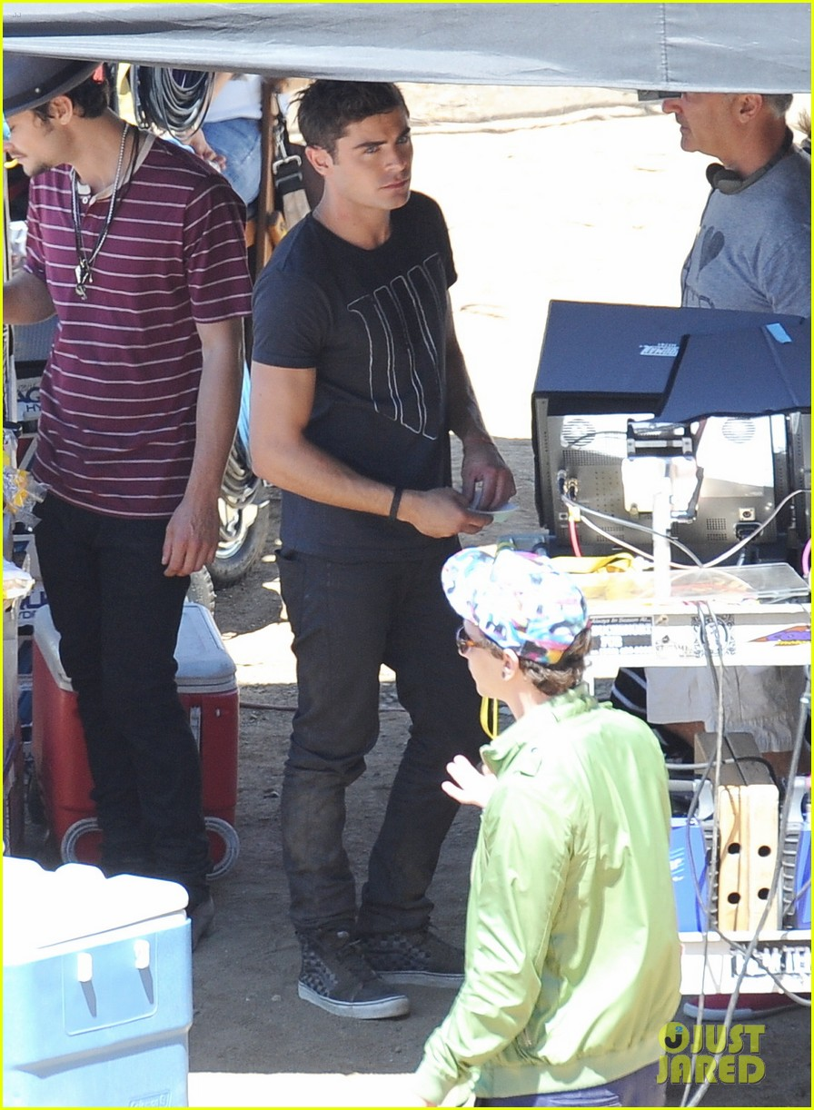 zac efron tree desert we are your friends set 09