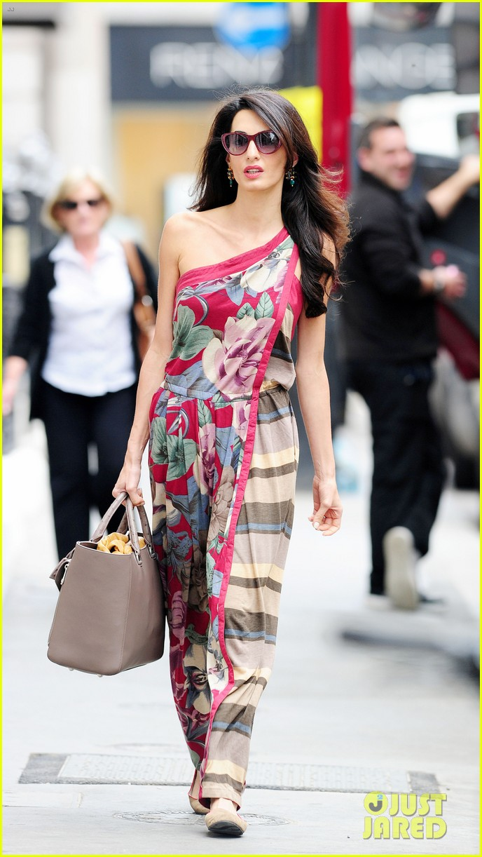 amal alamuddin goes for a fitting at alexander mcqueen 063189366