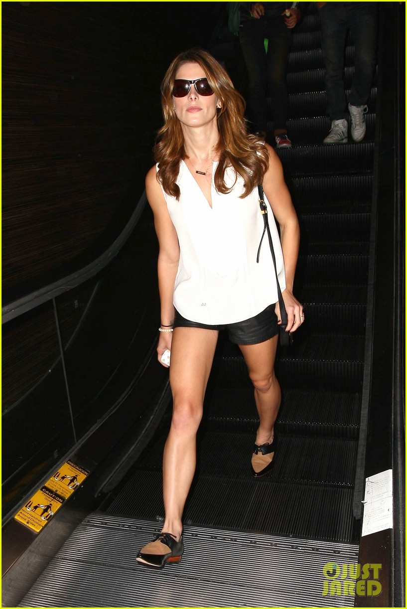 ashley greene flaunts toned legs lax 083188219