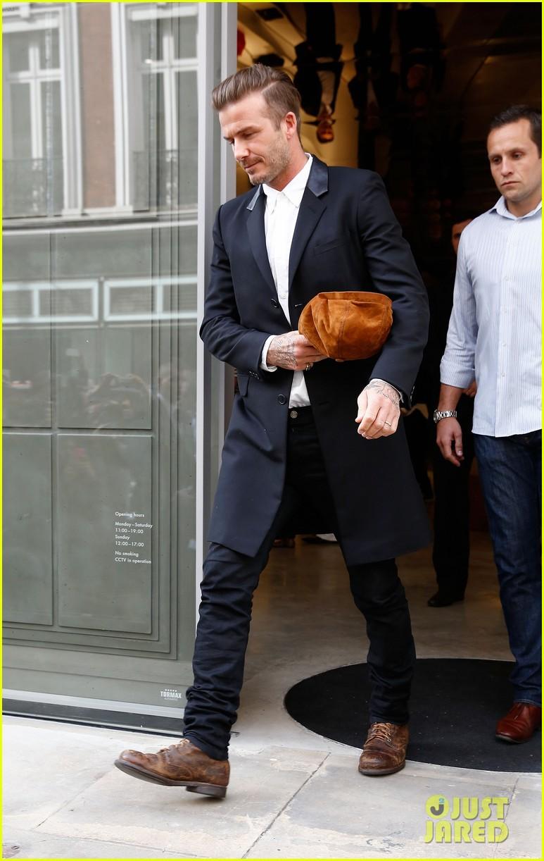 David Beckham Goes Shirtless, Admits Taking Clothes Off ...