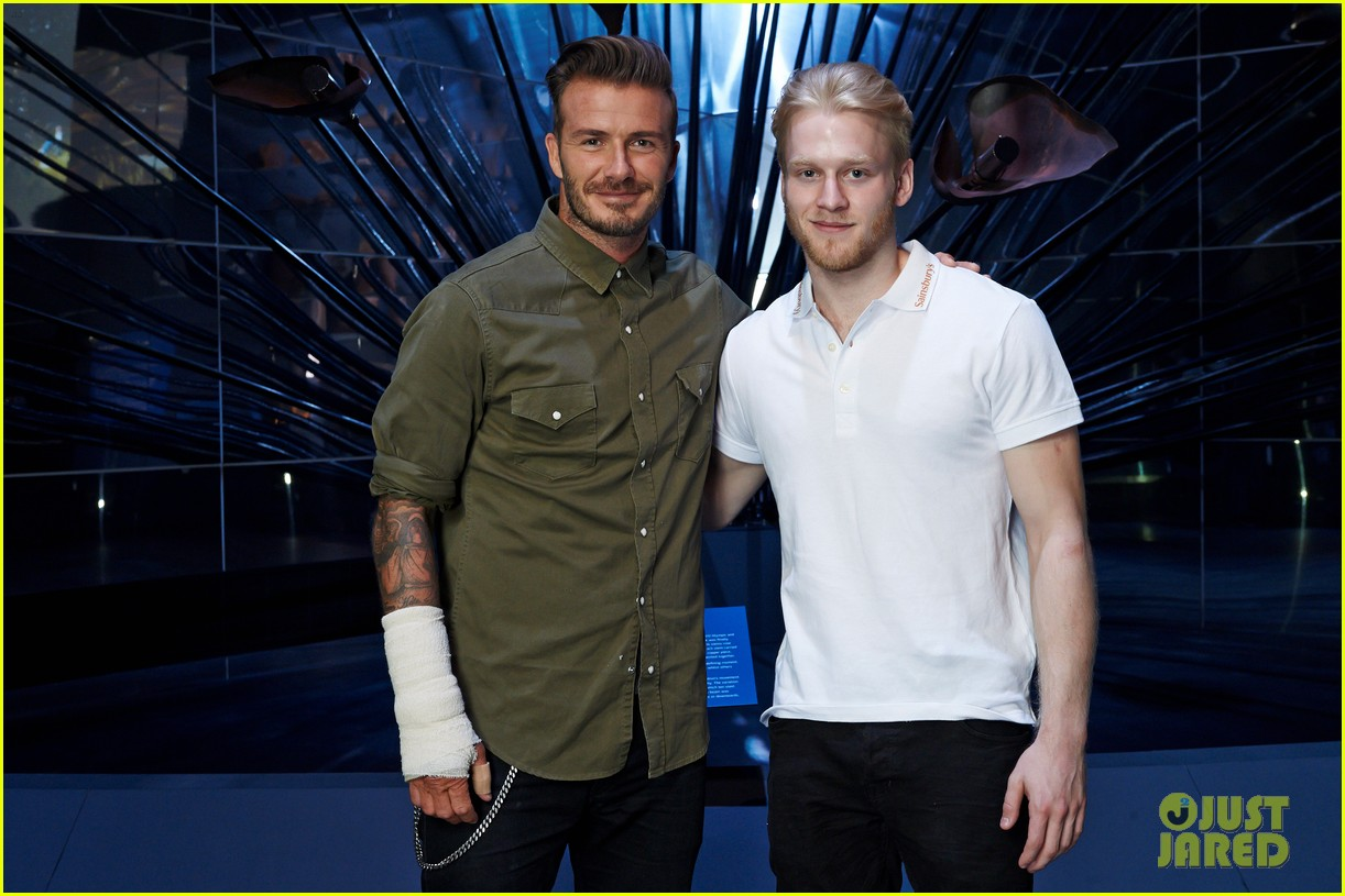 david beckham wears cast on his arm after motorcycle accident 013187903