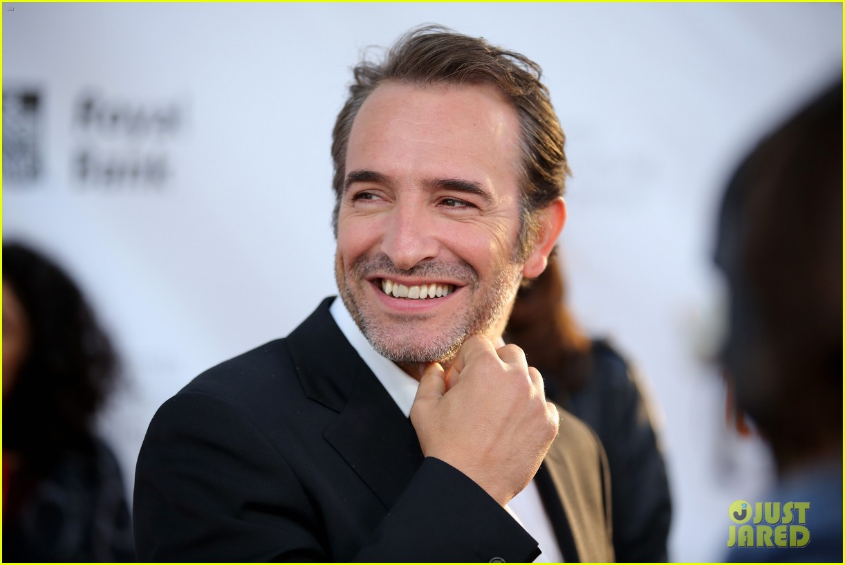 Jean dujardin berenice bejo bring their 39 art 39 to toronto for Dujardin hazanavicius