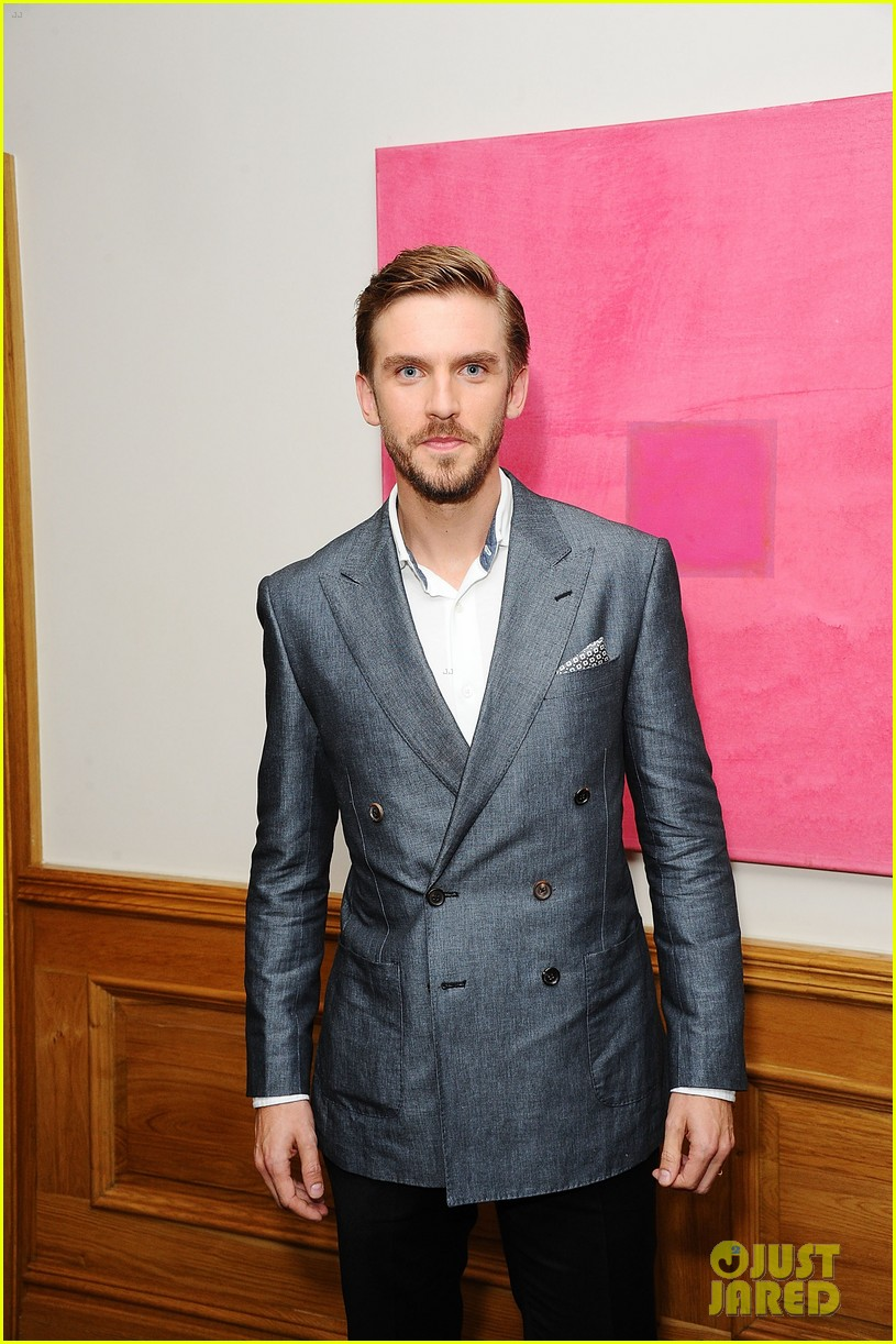 benedict cumberbatch supports dan stevens at the guest screening 083187550