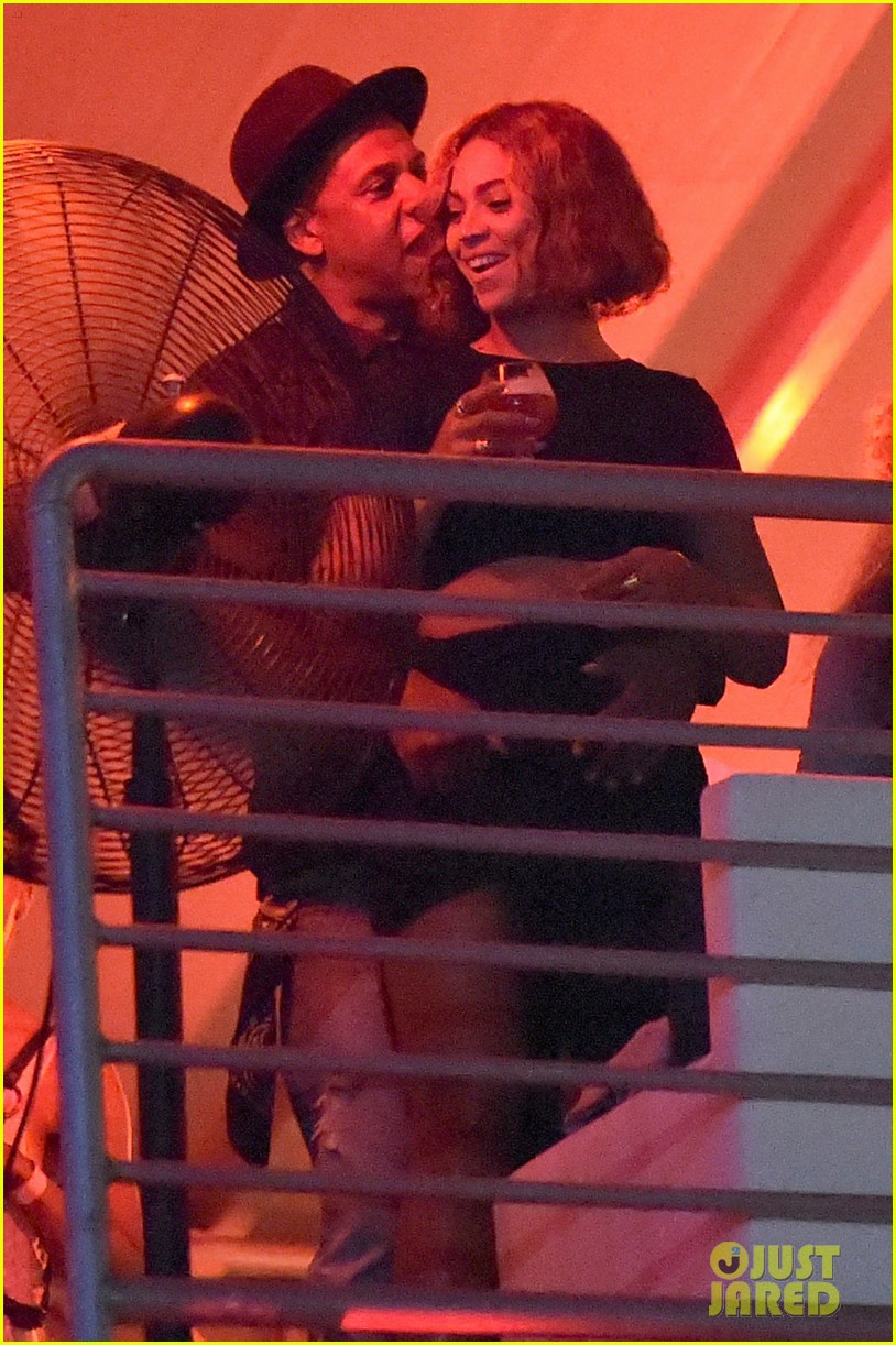 beyonce jay z combat split rumors by looking so in love 12