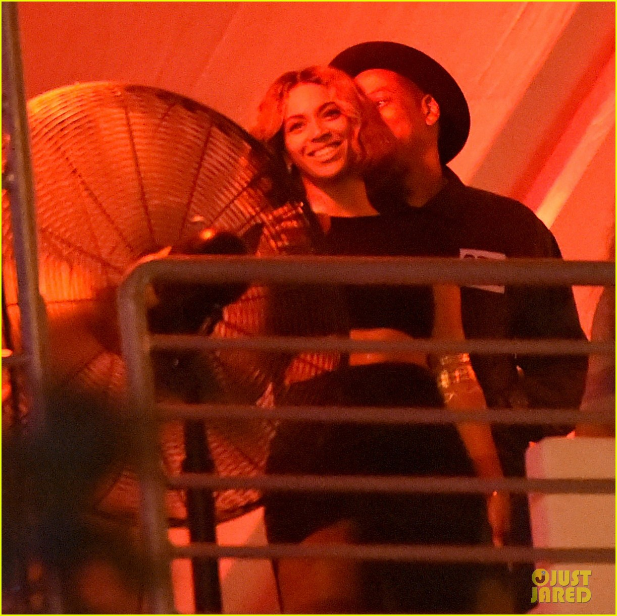 beyonce jay z combat split rumors by looking so in love 193187376